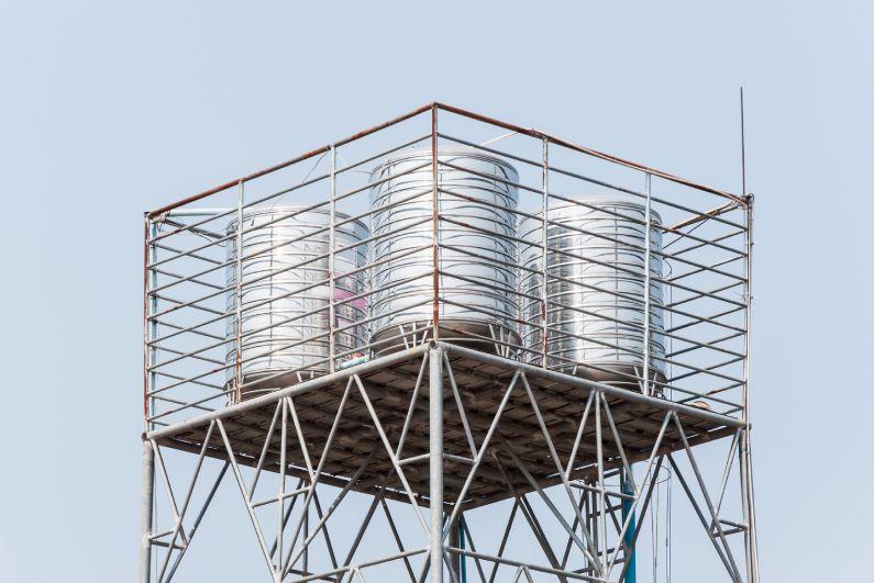Procurando uma empresa de limpeza de caixa d'água?